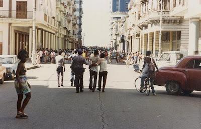 SACADO DEL BLOG DESARRAIGOS PROVOCADOS,una serie de fotos ineditas de lo que se vivio aquel dia... Opstand+Havana+19