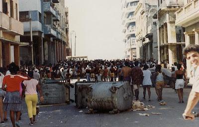 SACADO DEL BLOG DESARRAIGOS PROVOCADOS,una serie de fotos ineditas de lo que se vivio aquel dia... Opstand+Havana+14