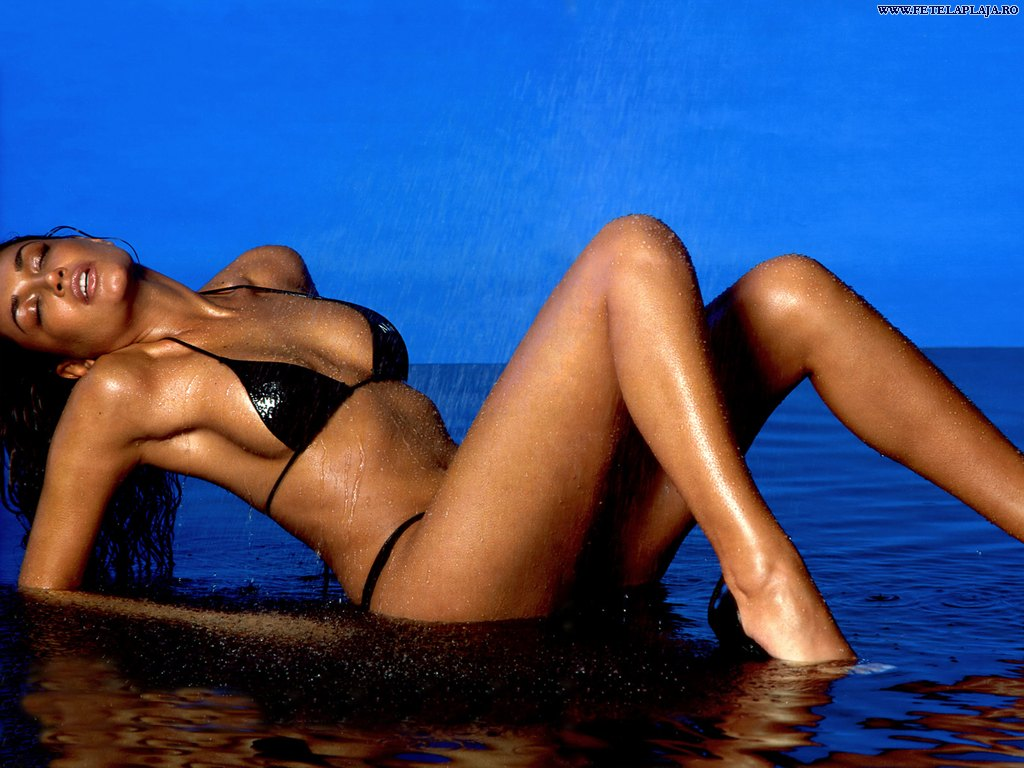 http://3.bp.blogspot.com/_DY_KdmgkkO8/SWOSSXBwv5I/AAAAAAAAAqs/29Smawio-nM/s1600/Jana_Ina_4.jpg
