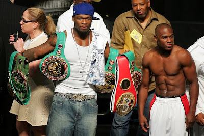 fulljgetty-73969385mw008_de_la_hoya_v__6_12_14_pm 50 Cent Talks Fight With Floyd Mayweather