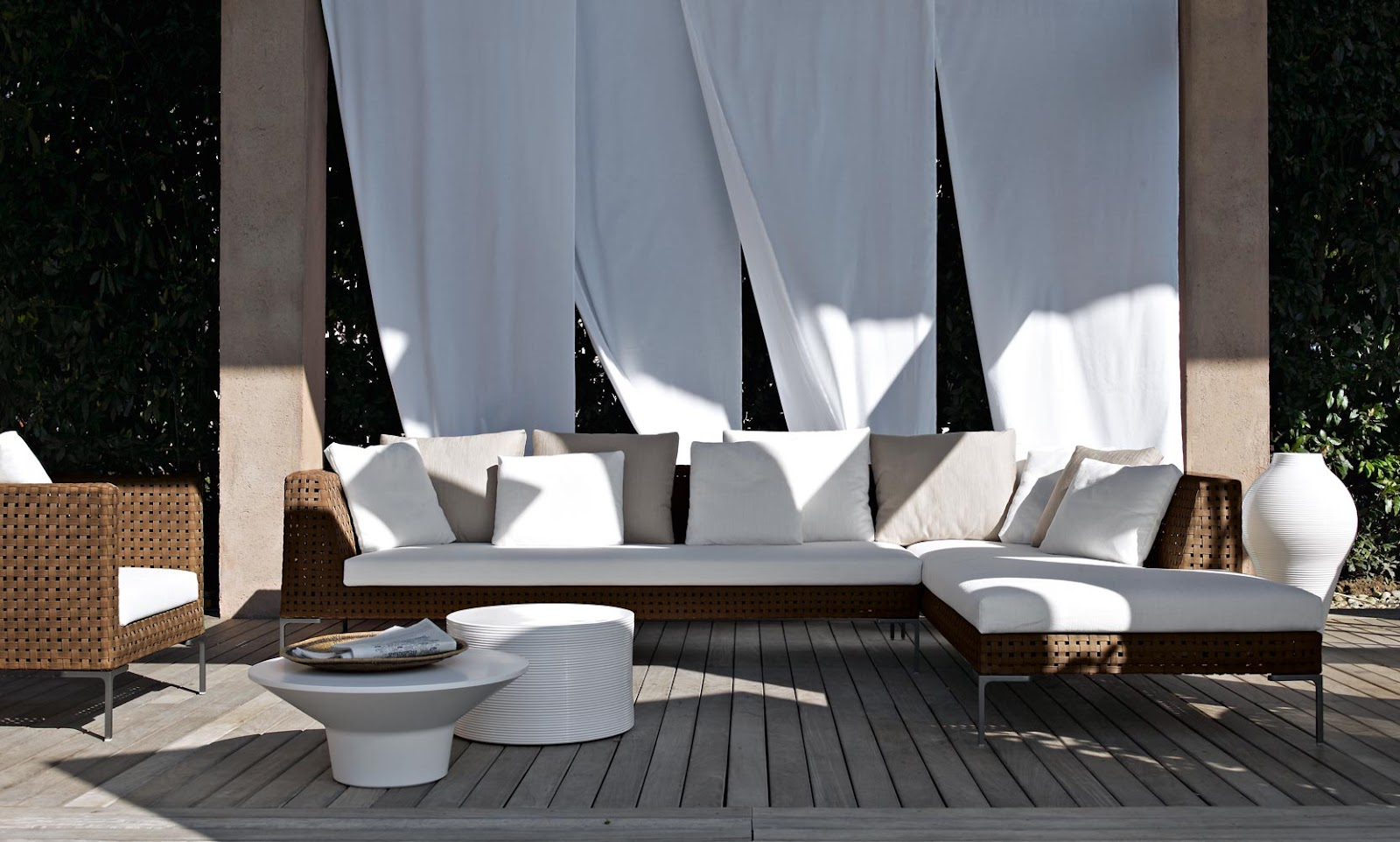 walters nyc blog b b italia outdoor collection. Black Bedroom Furniture Sets. Home Design Ideas