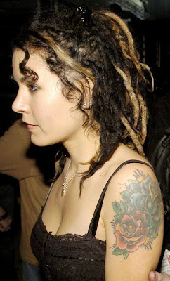 Hollywood Trash Adrienne Armstrong Adrienne armstrong remains dedicated to her husband, billie joe, regardless of his admitted formally adrienne nesser, until she married green day's frontman, billie joe armstrong in july 1994. hollywood trash blogger