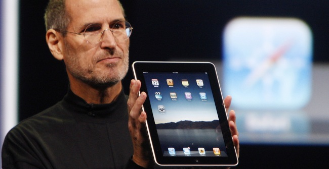 Steve Jobs takes shots at Android and BlackBerry title=