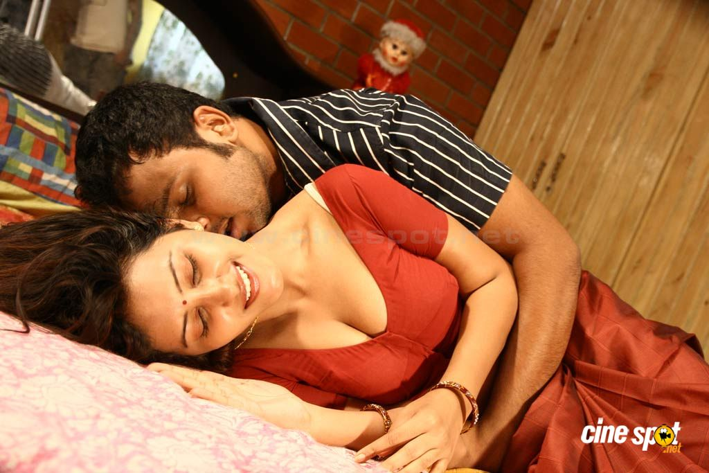 HOT SCENES FROM TAMIL MASALA MOVIE SHANTHI