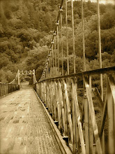 Suspension Bridge at Yankee Jim&#39;s Crossing