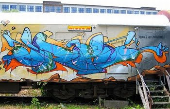GRAFFITI MURALS ALPHABET STYLE DESIGN On TRAIN