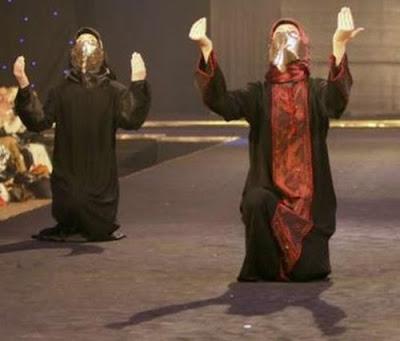 Fashion, Show, in Istanbul, http://muslimmfashion.blogspot.com/