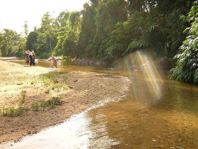 Sungai Lepar berdekatan dgn kongsi Hakim