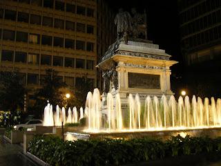 Imagini Andaluzia: statuia lui Isabel Catolica Granada