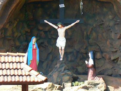 Imagini India: Crucifix cu Isus rastignit