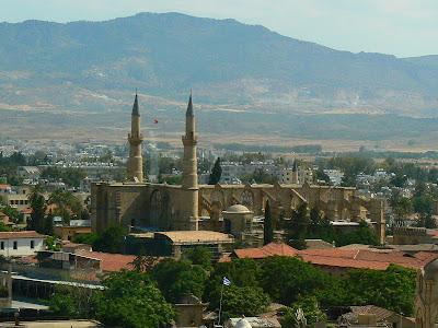 Obiective turistice Nicosia: Moscheea Selimye din Cipru turcesc