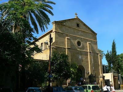 Imagini Cipru: Catedrala Sfanta Cruce fix pe Linia Verde