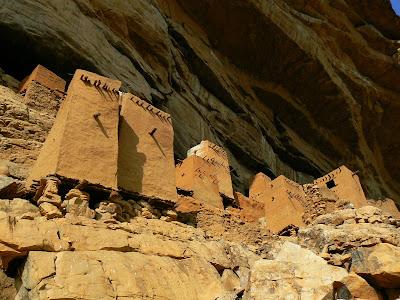 Obiective turistice Mali: granare din Pays Dogon
