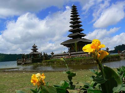 Obiective turistice Indonezia: templu balinez