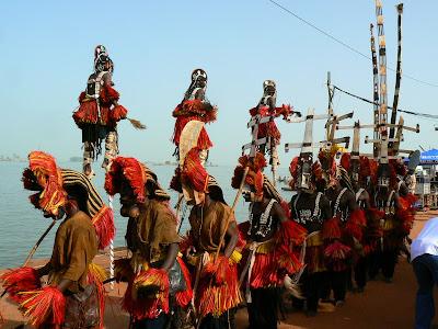 Eveniment Mali: concurs pirogi Mopti, dans dogon
