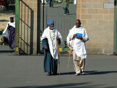 Imagini Etiopia: preoti la manastirea Debre Libanos