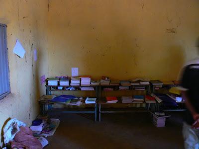 Imagini Etiopia - scoala in sat african - Hamer, carti
