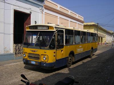 Transport Cuba: autobuz in Trinidad