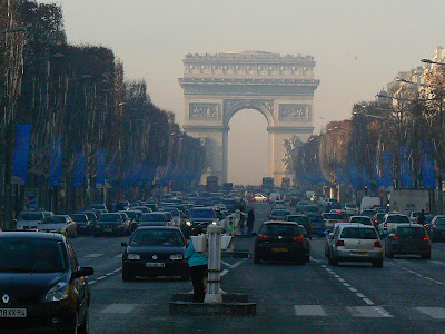 Imagini Franta: Arcul de Triumf si Champs Elysees, Paris