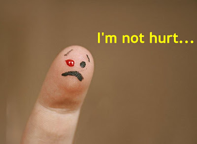 Funny Pictures: Red eye disease of finger