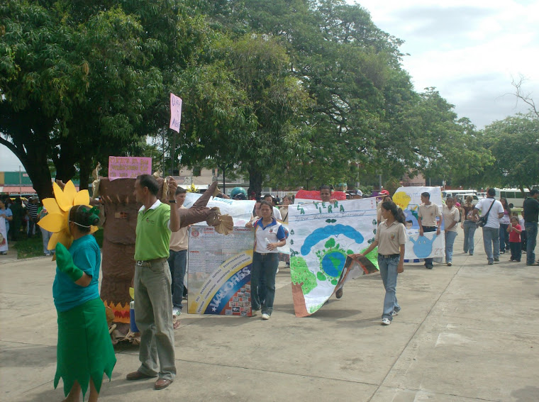 Estudiantes del Liceo Bolivariano Camoruco
