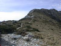 大崩壁後的陡坡
