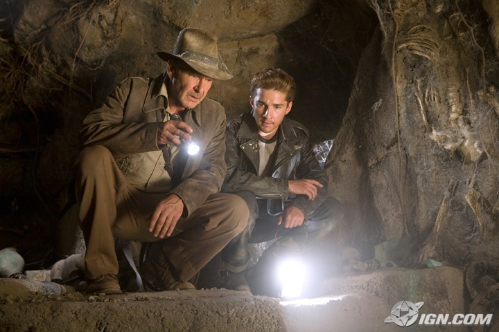 [Indiana+Jones+IV+-+Ford+and+Laboeuf.jpg]
