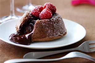 Warm chocoladecakeje met vloeibaar hart