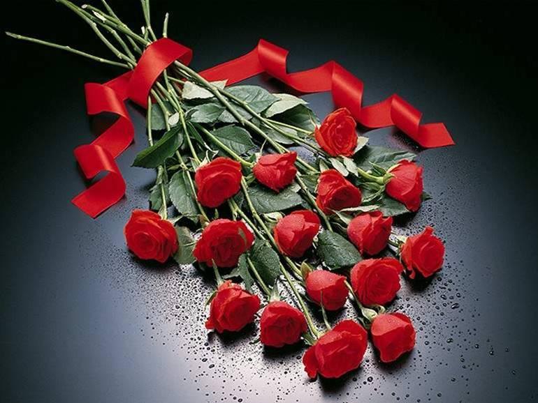 Aşkını ifade edenler için tasarlanan şık bir kırmızı güller