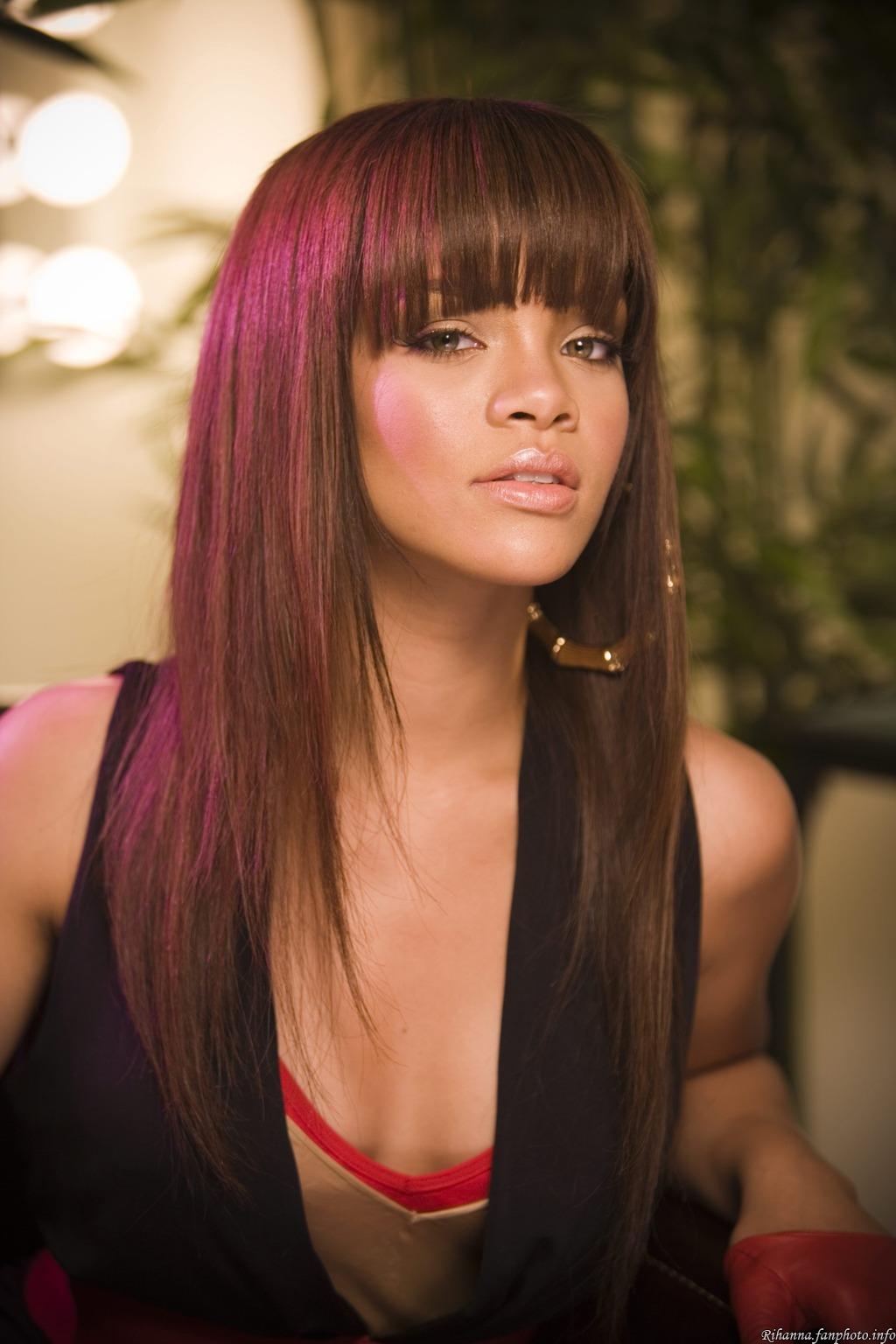 Bangs Inspiration: I really want bangs! Tuesday, October 12, 2010