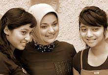 Dua Bidadari Kami Bella & Kiki Fawzi: Ikang Fawzi & Marissa Haque