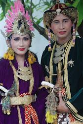 Sepasang Penari Jawa di Yogyakarta, Karya Elis Anis, Teman Marissa Haque di Ohio