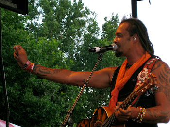 Michael Franti Rocks His Global Wristband