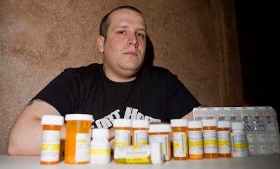 http://3.bp.blogspot.com/_DnmjuQRMFfc/S6UPDzK48AI/AAAAAAAABtM/Zt--3cSjd78/s400/militaryand+big+pharma.jpg