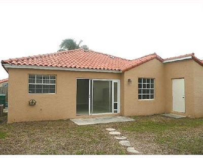 Remate en venta por el banco de Casa en South West Miami