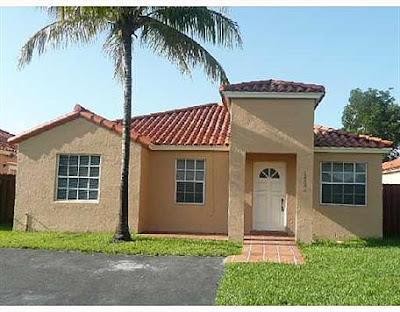 Venta por el banco de Casa en Deerfield Miami en Foreclosure