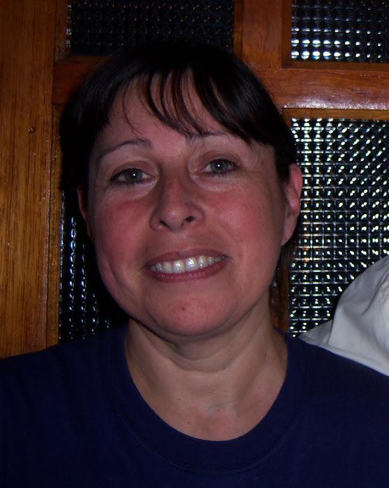 Les presento a mi esposa Susana Adriana Chazarreta, mi gran ayudante en la cocina.