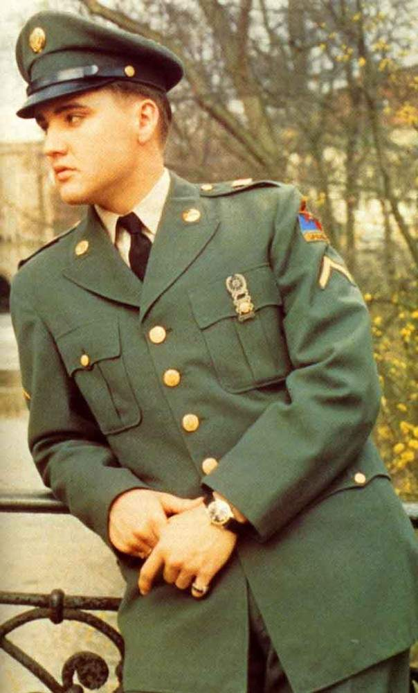 How many people remember Elvis Presley looking super sexy in his uniform.