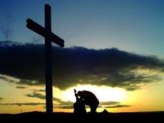 Busque a Deus com orações sinceras, pois ele é o unico digno de toda honra e toda glória