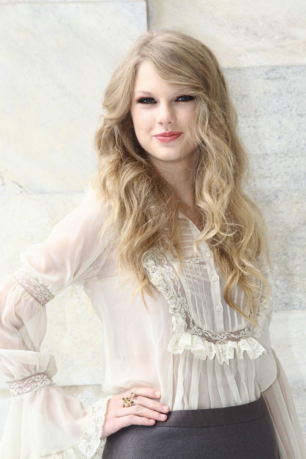 http://3.bp.blogspot.com/_DqQNorl_2Kc/TKDUV2JMSjI/AAAAAAAAAMQ/GYFBEQ2ojeg/s1600/Taylor-Swift-31.jpg