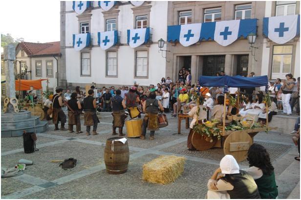 Praça Pública Feira+Medieval2