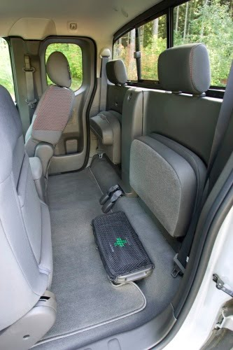 2010 Nissan Frontier Se 4X4 hd pictures