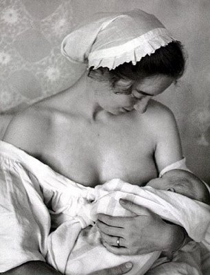 Breastfeeding While Pregnant