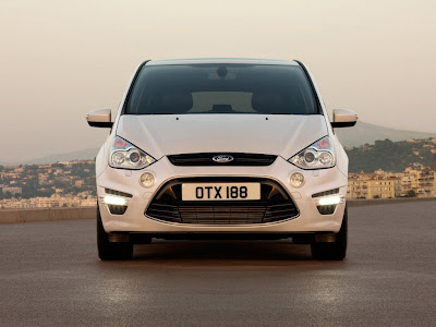 ford s max 2011. 2011 Ford S-MAX Front Angle