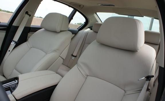 2011 BMW 528i Car Seat View