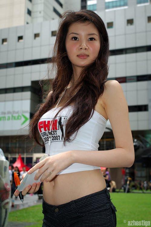 gwendolyn wan sexy bikini photos 01