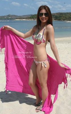sam pinto sexy bikini photos 07