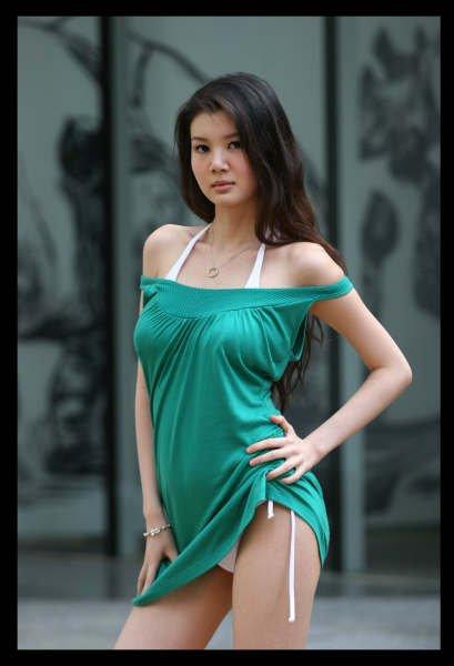 gwendolyn wan sexy bikini photos 02