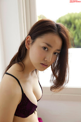 Beautiful and Sexy Japanese Idol Natsuko Nagaike