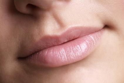http://3.bp.blogspot.com/_Dubt15VO18I/TMJ4OiQ8pJI/AAAAAAAABWE/NI_o8X7ZdcI/s1600/bibir+kering.jpg